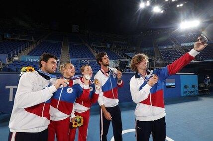 Впервые вистории: российские теннисисты выиграли золото всмешанном разряде наОлимпиаде-2020