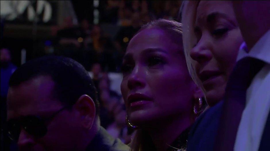 Дженнифер Лопес расплакалась во время речи вдовы баскетболиста