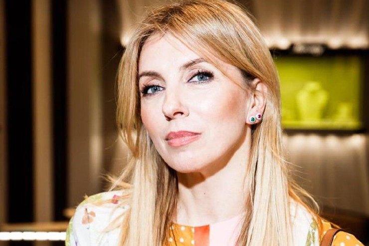 Светлана Бондарчук показала, как сочетать леопардовый кардиган ицветочные брюки