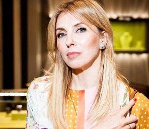 Светлана Бондарчук показала, как сочетать леопардовый кардиган и цветочные брюки