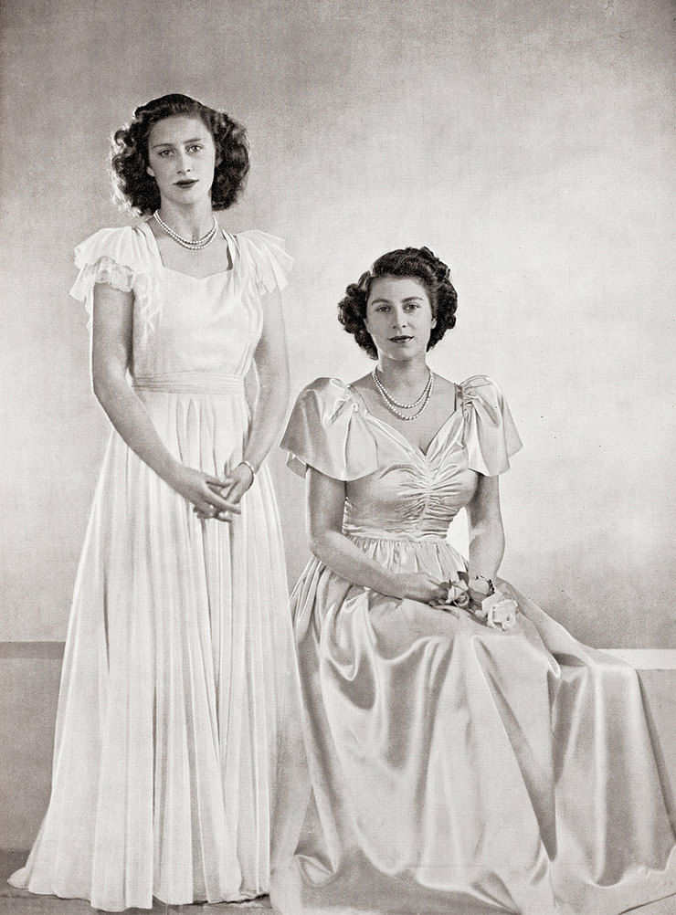 Принцесса Маргарет иКоролева Елизавета  II, 1946