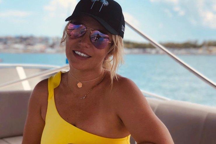 «Новая жизнь»: Бритни Спирс показала свою оргомную гардеробную