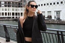 Британские модницы показывают, как носить черный ине выглядеть старше