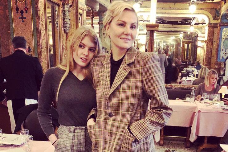 Яблоко отяблони: Рената Литвинова рассказала, чем они схожи сдочкой