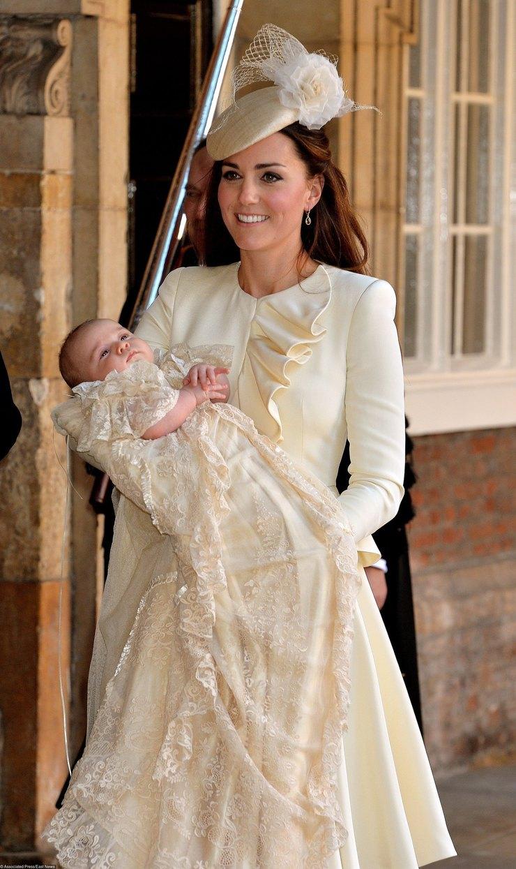 Кейт Миддлтон накрестинах принца Джорджа