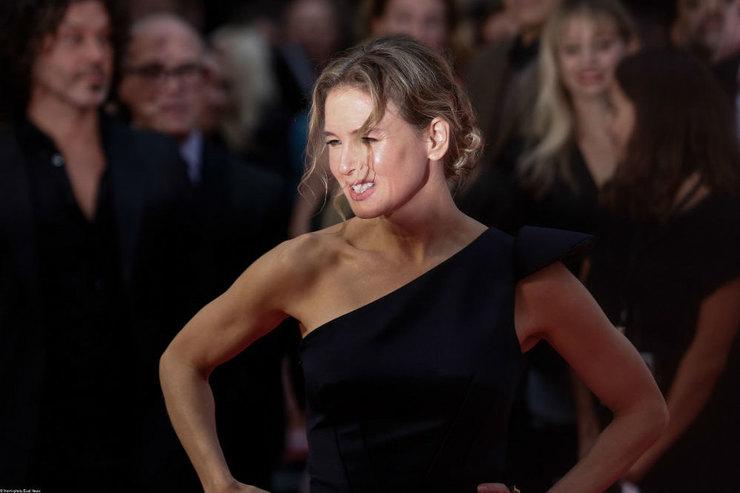 48-летняя Рене Зеллвегер вышла всвет безмакияжа