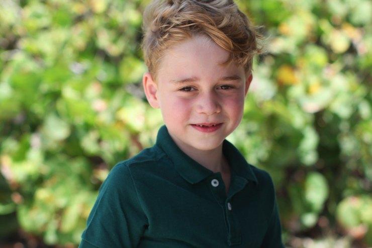 Сын Кейт Миддлтон ипринца Уильяма эмоционально болел залюбимую команду наигре