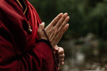 От каббалы добуддизма: какие религиозные учения пришлись подуше звездам