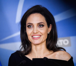 «Ум — вот что красиво»: Анджелина Джоли о внешности и воспитании детей