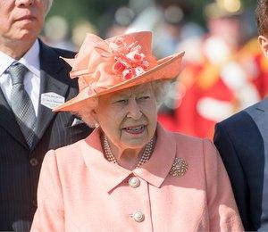 Не шутка: в Лондоне отрепетировали смерть Елизаветы II
