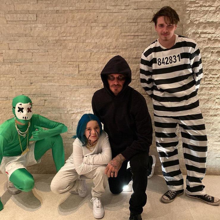 Семейство Бекхэмов наХэллоуин