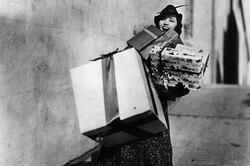 Поездка вДиснейленд дляРыб, набор кастрюль дляДев: выбираем новогодние подарки познакам зодиака