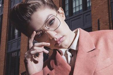 Vogue Eyewear исупермодель Джиджи Хадид выпустили юбилейную коллекцию