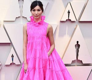 Яркость наполную: знаменитости, которые выбирают неоновые платья