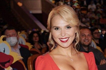 Невероятно хороша!: после расставания смужем Пелагея пополнила гардероб сексуальными платьями