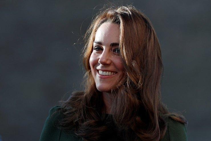 Герцогиня Кэтрирн пожаловалась нато, что ей трудно воспитывать троих детей