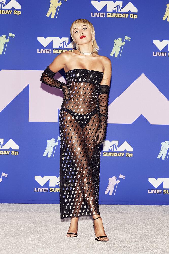 Майли Сайрус на премии MTV Video Music Awards 2020