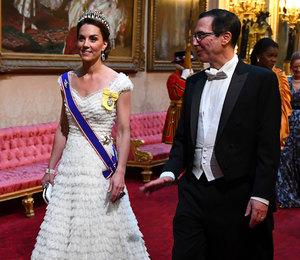 Кейт Миддлтон в бриллиантовой тиаре встретилась с Меланией Трамп в Лондоне