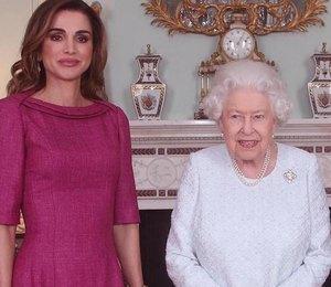 Королева Рания в лавандовых лодочках встретилась с Елизаветой II