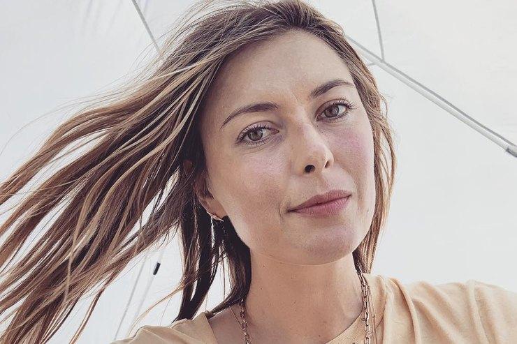Мария Шарапова вновь надела золотое винтажное платье спустя 13 лет