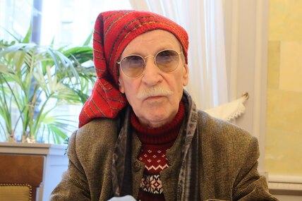 90-летний Иван Краско после инсульта едва передвигается ипочти ничего невидит
