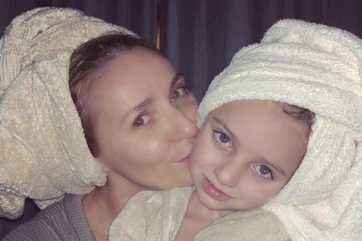«В баню спеленок»: Татьяна Навка устроила вечеринку спятилетней дочерью
