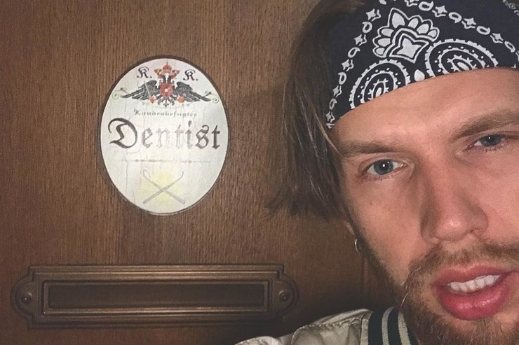 Вылитый Дорн: новым «Холостяком» выбрали симпатичного стоматолога