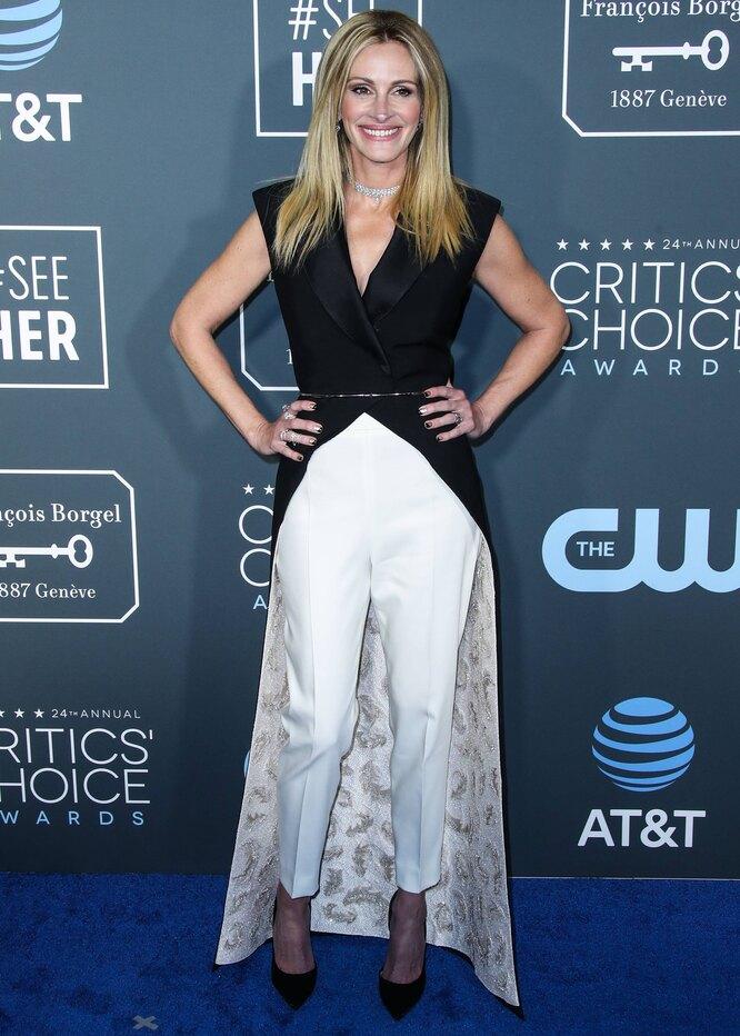 Джулия Робертс в 2019 году на церемонии вручения премии Critics' Choice