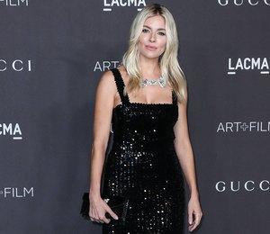 Топ-10: самые сексуальные черные платья звезд за последний месяц