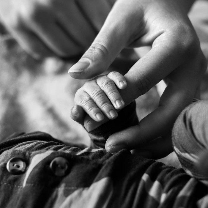 Эшли Грэм показала первый снимок малыша